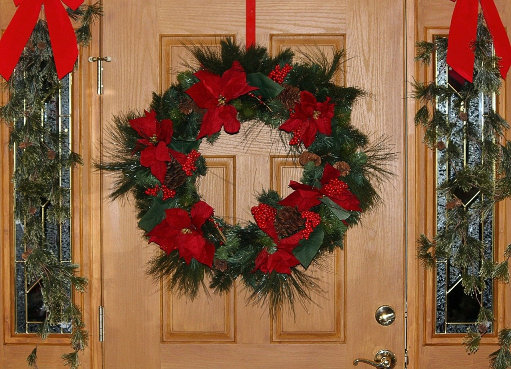 christmas-wreath-69130_1280.jpg