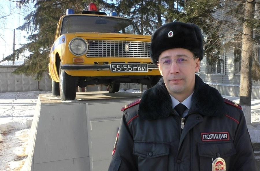 Свердловские владельцы автомобилей устремились менять права, страшась введения экзамена
